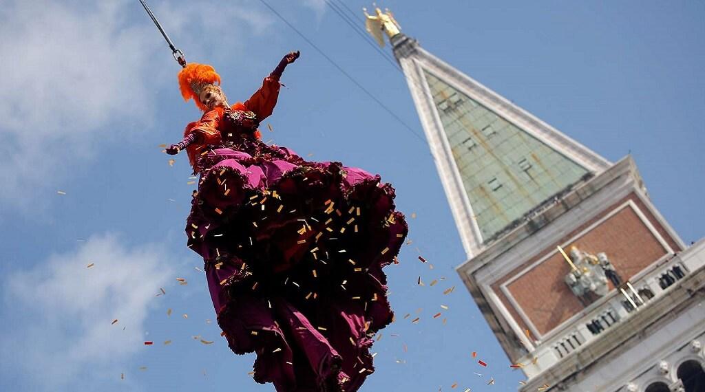 Meleklerin Uçuşu Venedik Karnavalı