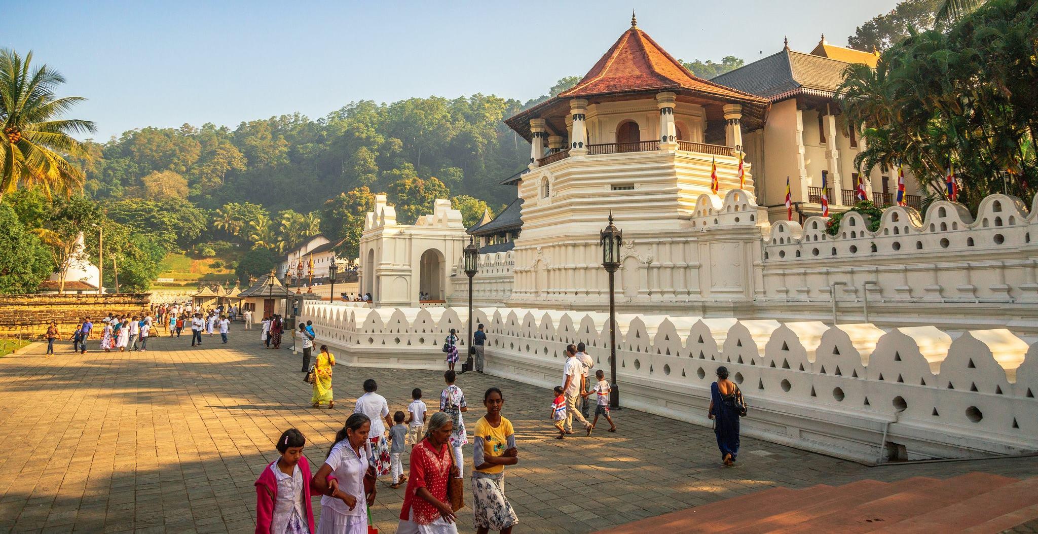 Kutsal Diş Tapınağı - Sri Lanka