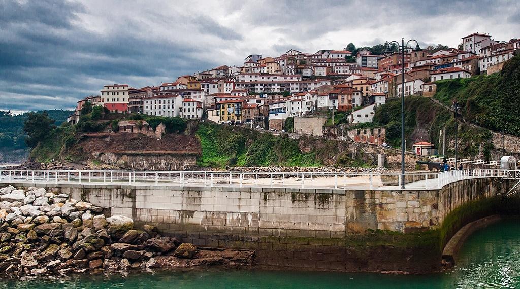 Dinozor fosilleri için Asturias'a gidin