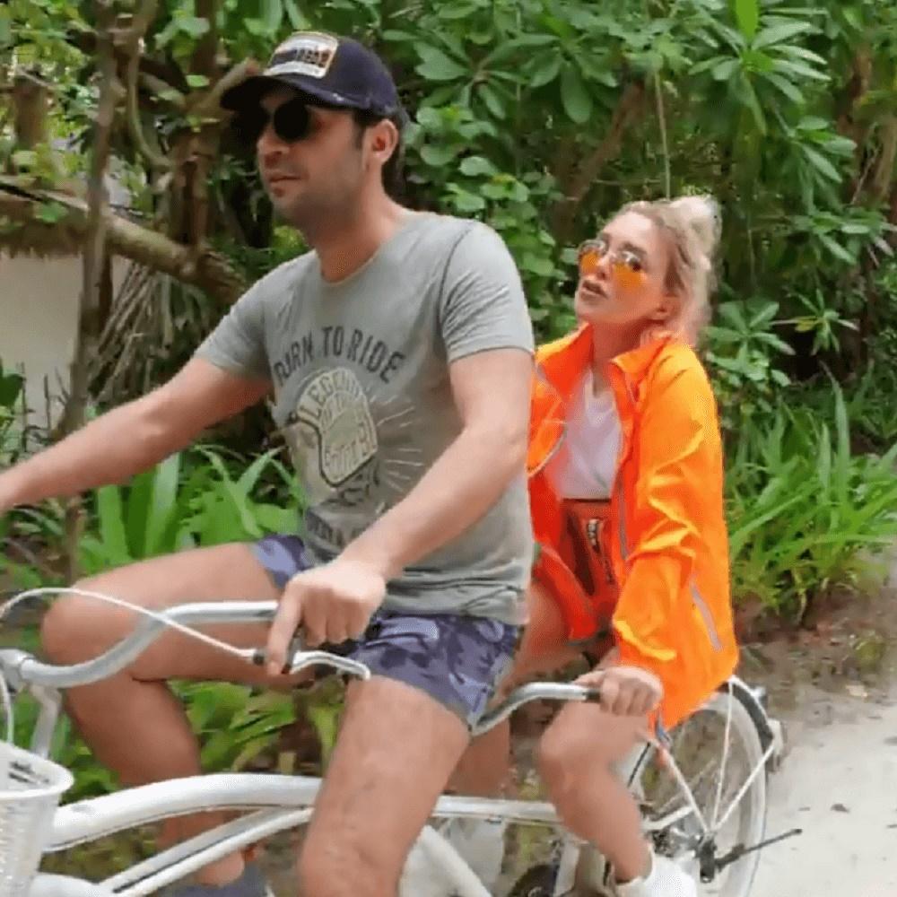 Serengil stresten kaçmak için Maldivler'e geldi