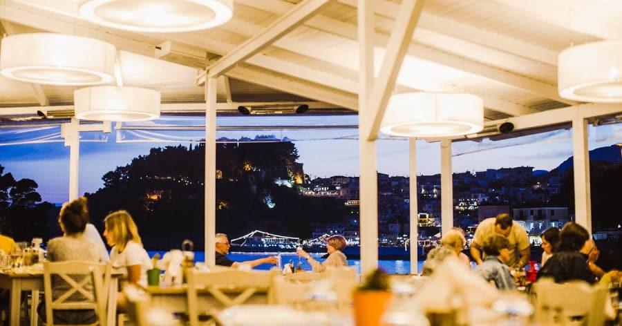 Yerel lezzetlerin en güzellerini tadabileceğiniz Villa Rossa Restaurant.