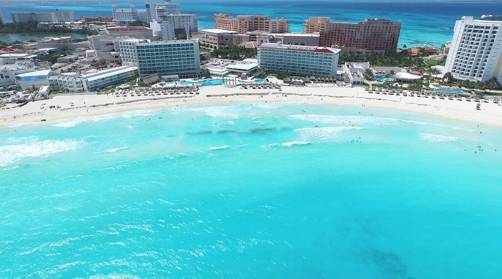 Meksika'nın Cancun kenti turistlerin ilgi odağı..