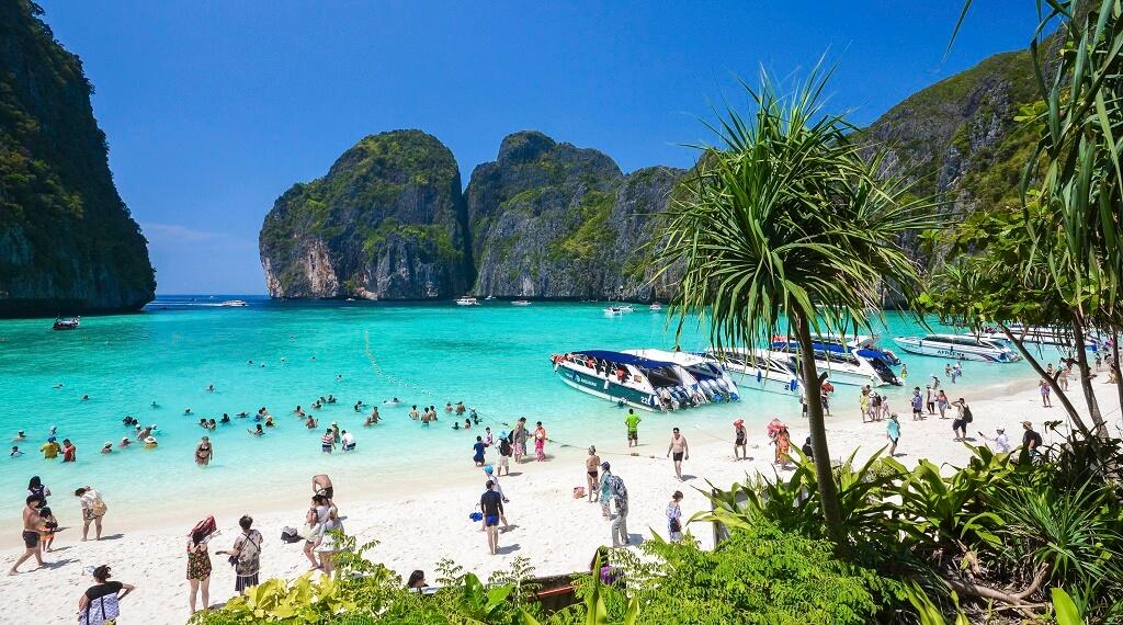 Phi Phi Adası Tayland'ın en çok ziyaret edilen yerlerinden..