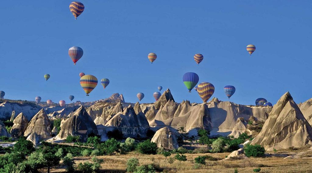 Türkiye'nen en çok ziyaret edilen bölgerinden biri Kapadokya Peribacaları...