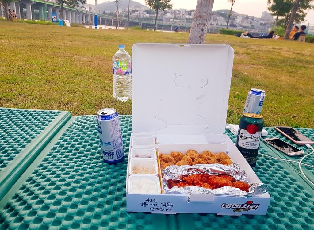 Han Nehri'nde tavuk ve bira (chimaek)