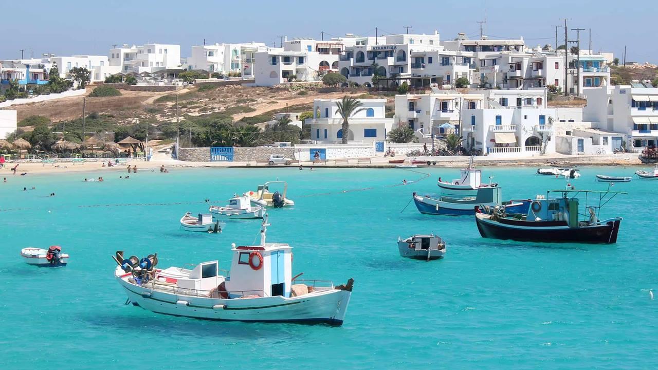 Antiparos Adası