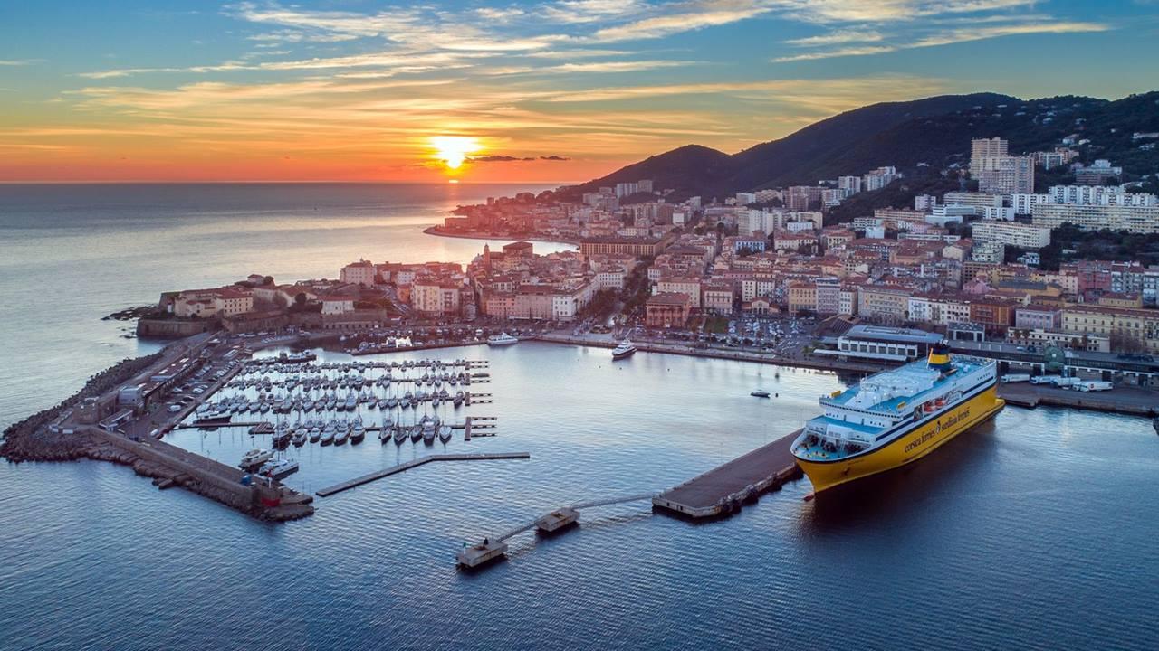 Korsika Gezilecek Yerler: Ajaccio