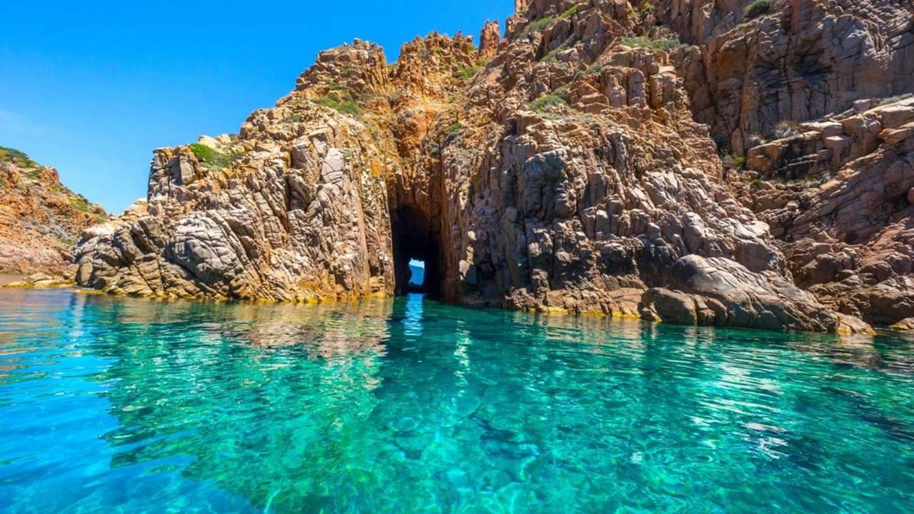 Korsika Gezilecek Yerler: Scandola