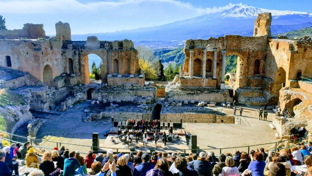 Taormina Gezilecek Yerler: Antik Tiyatro