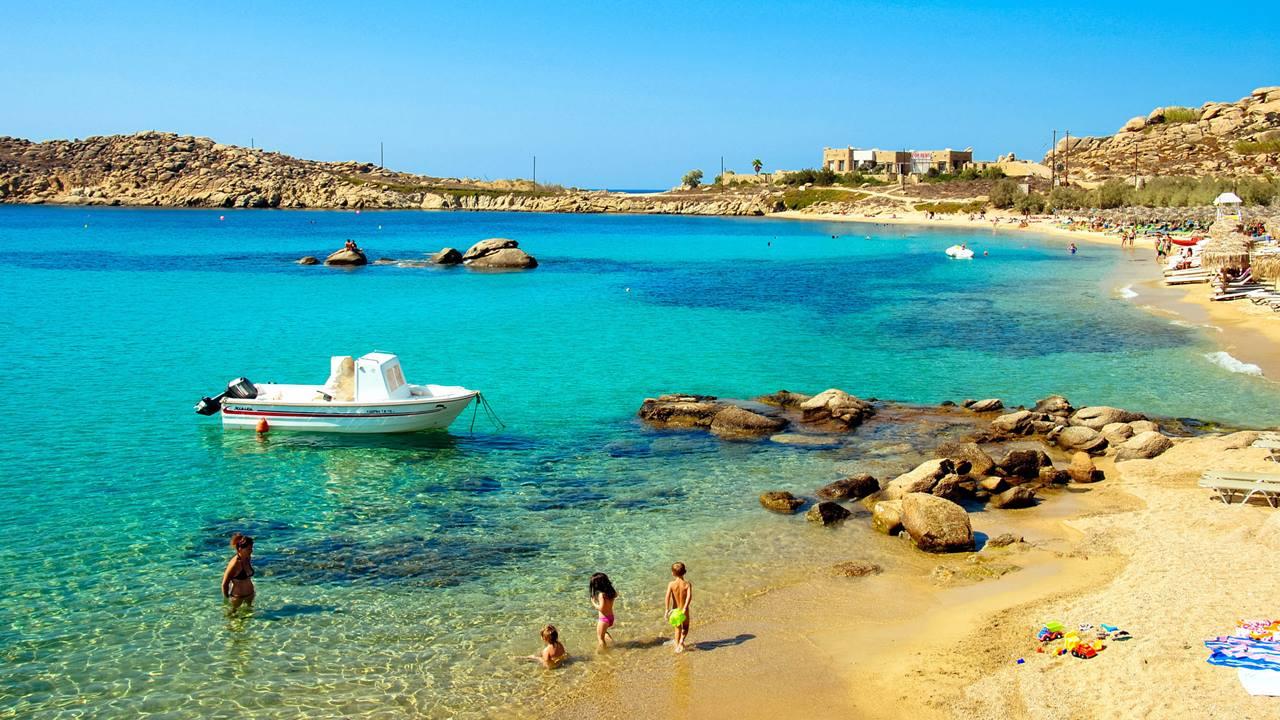 En Güzel Mykonos Plajları: Paraga Beach