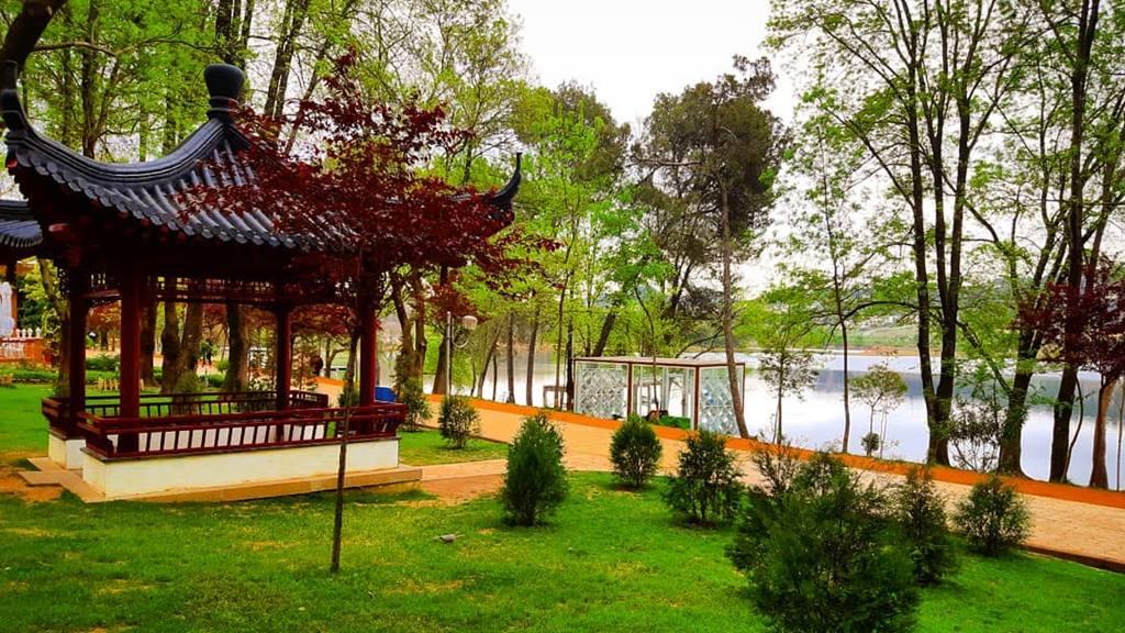 Tiran Gezilecek Yerler: Grand Park