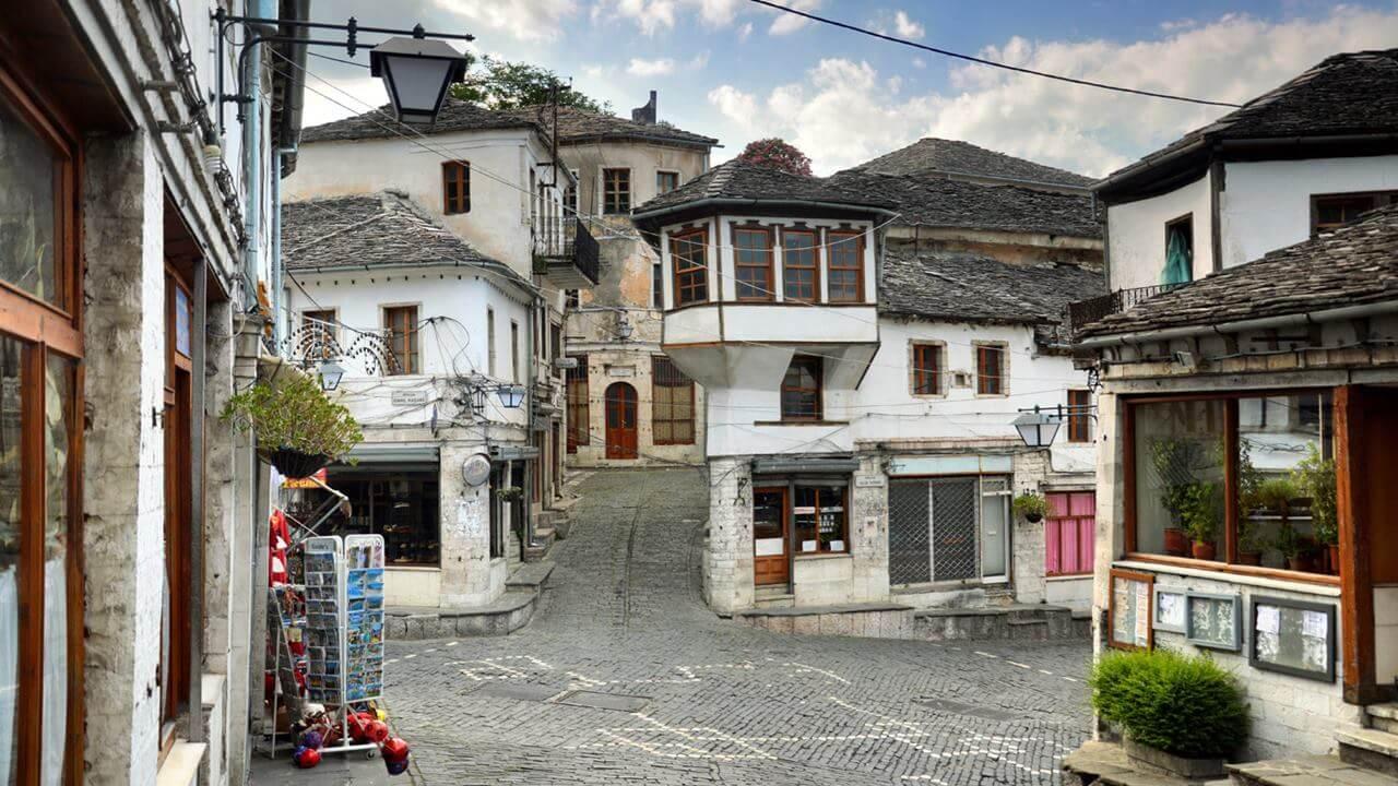 Arnavutluk Gezilecek Yerler: Gjirokaster