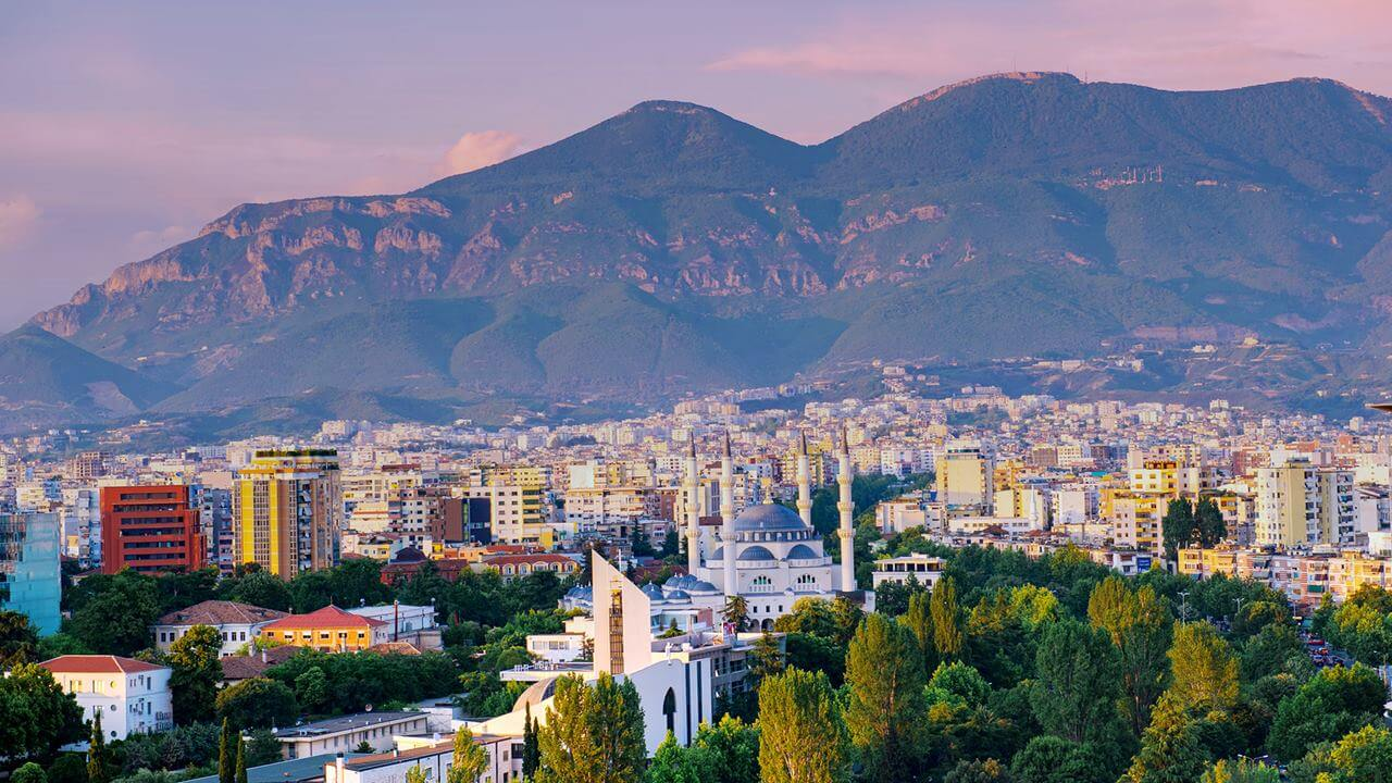 Arnavutluk Gezilecek Yerler: Tiran