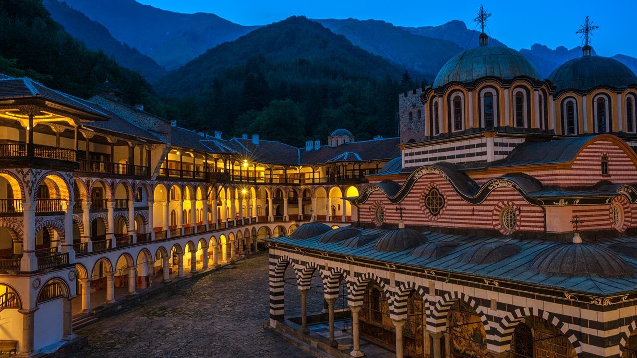 Bulgaristan Gezilecek Yerler Listesi: Rila Manastırı